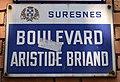 Plaque boulevard Aristide-Briand Suresnes.jpg