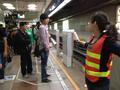 Platform Gate Zhongxiao Xinsheng Installing.png