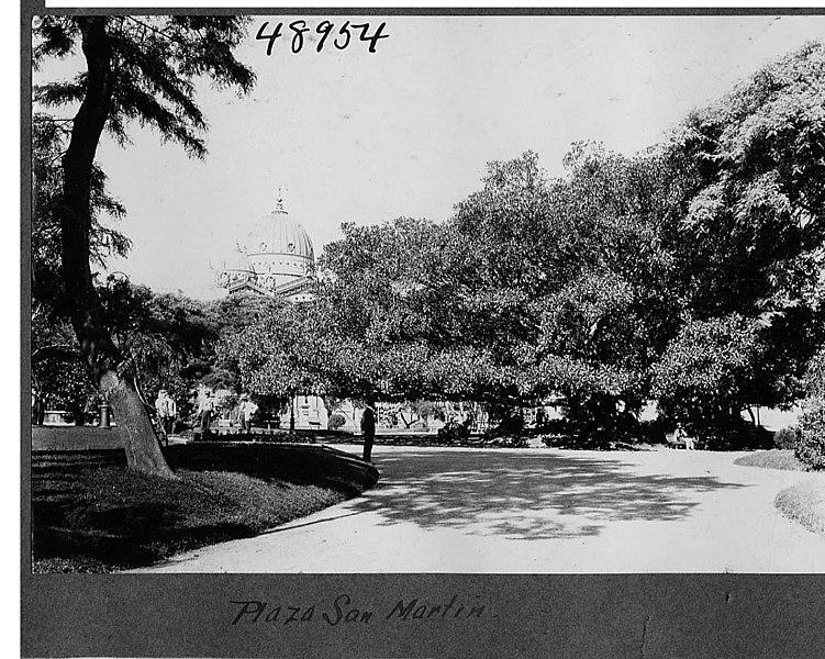 File:Plaza San Martin (3526466110).jpg