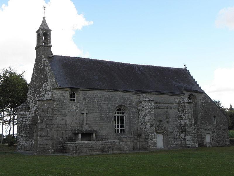 Chapelle Notre-Dame-des-Fleurs en Plouay (56). Vue méridionale.