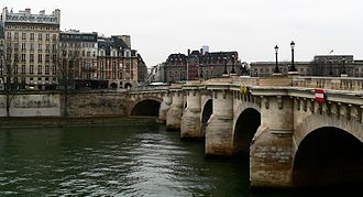 Les Amants du Pont-Neuf - The film is set on the Pont Neuf in Paris