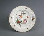 Porslin. Tallrik med blomsterdekor 1700-talets slut - Hallwylska museet - 89108.tif