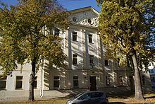 Herigoyen-Bau Ehemalige Porzellanfabrik ein Stockwerk ergänzt 1908 (Heinrich Hauberrisser) (Quelle: Wikimedia)