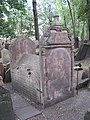 Prag Jüdischer Friedhof Grab eines Rabbiners.jpg