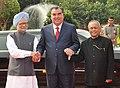 Pranab Mukherjee and the Prime Minister, Dr. Manmohan Singh with the President of the Republic of Tajikistan, Mr. Emomali Rahmon at his ceremonial reception, at Rashtrapati Bhavan, in New Delhi on September 03, 2012.jpg