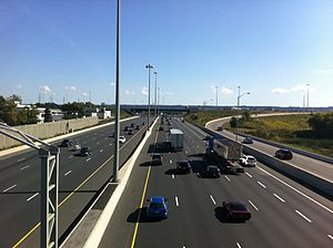 Queen Elizabeth Way - The Toronto-bound Queen Elizabeth Way in Hamilton