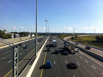 QEW east to Red Hill Valley Pkwy.jpg