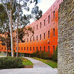 RMIT Building 220, Bundoora campus.jpg