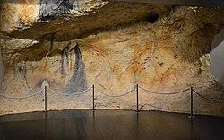 Reproducció de la cova dels Cavalls al museu de la Valltorta.JPG