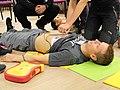 Resuscitace za použití AED (02).jpg