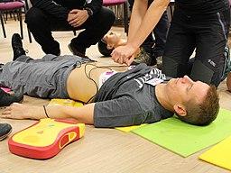 Resuscitace za použití AED (02)