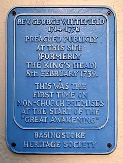 Photo of King's Head, Basingstoke and George Whitefield blue plaque