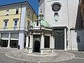 Rimini, piazza tre martiri 03.JPG
