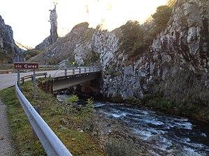 Riu Cares en Poncebos.jpg