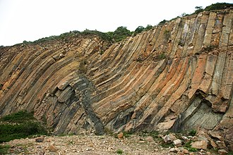 Sai Kung East Country Park - Distorted hexagonal columnar tuff, near High Island Reservoir East Dam