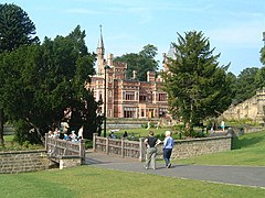 Saltwell Towers - geograph.org.uk - 70553.jpg