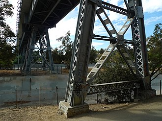 Santa Fe Arroyo Seco Railroad Bridge - Image: Santa Fe Arroyo Seco Railroad Bridge trestle