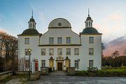 Schloss-Borbeck-Eingang-2012.jpg