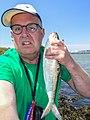 Selfie Peter van der Sluijs met een grote fint van 43 cm.jpg