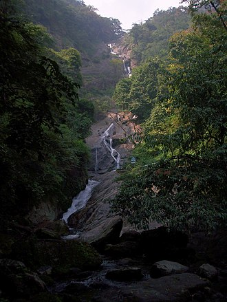 Siruvani Waterfalls - Image: Siruvani Waterfalls Upper part
