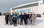 Skoki sylwestrowe Sekcji Spadochronowej Aeroklubu Gliwickiego 1999 (04).jpg