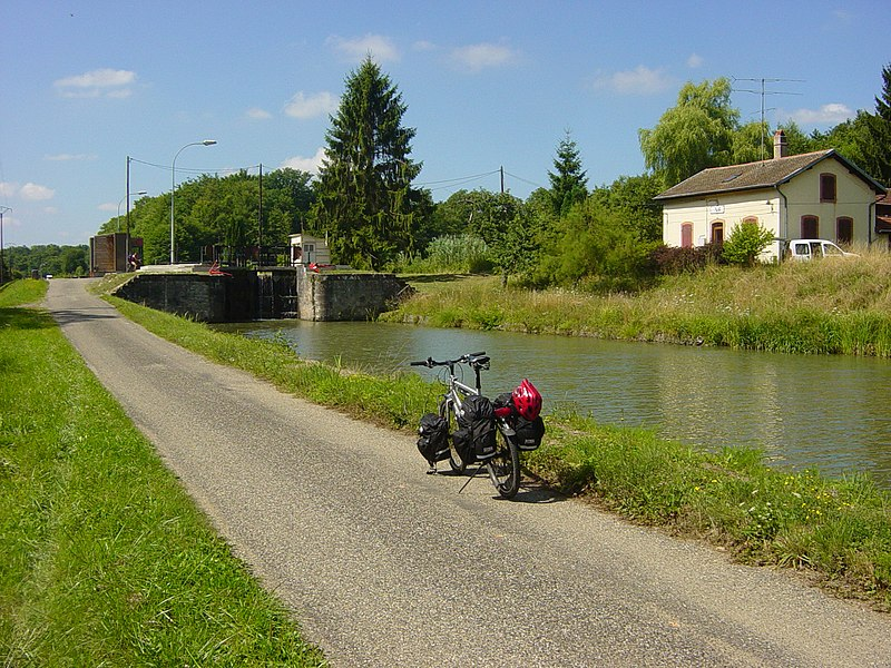 Sluice-gate nr. 6 at Canal de la Marne au Rhin