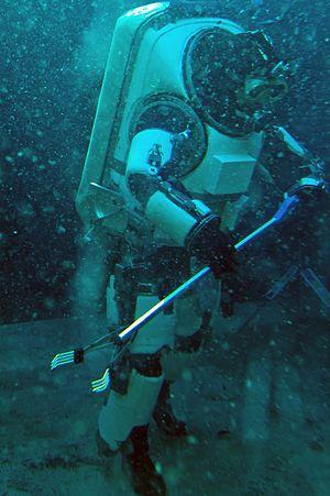 Terrestrial analogue sites - Underwater lunar surface EVA training by COMEX in Marseilles