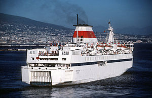 MV Ocean Life - Image: Soviet roll on roll off cruise ship LEV TOLSTOY, 1988