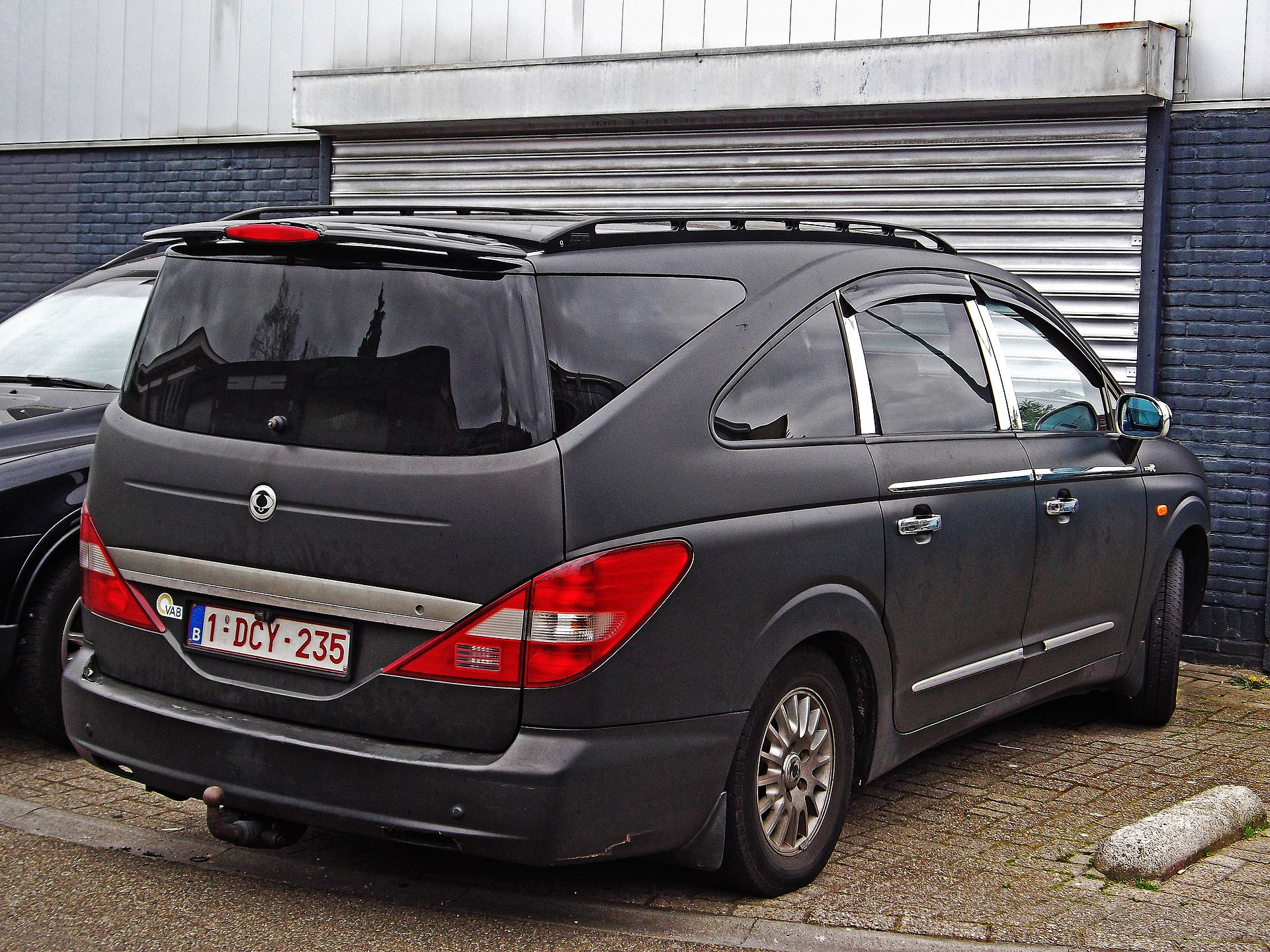 1920px-Ssangyong_Rodius_%2817047402870%2