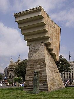 Standbeeld Plaça de Catalunya.JPG