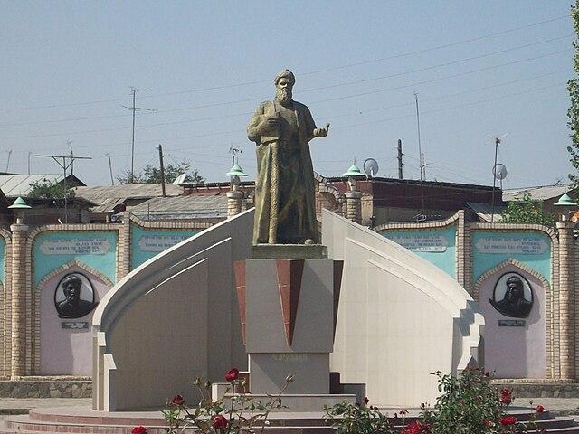 Statue of Rudaki.jpg