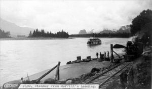 Steamer from Moffitt's Landing, The Dalles, Oregon cph.3a00947.jpg