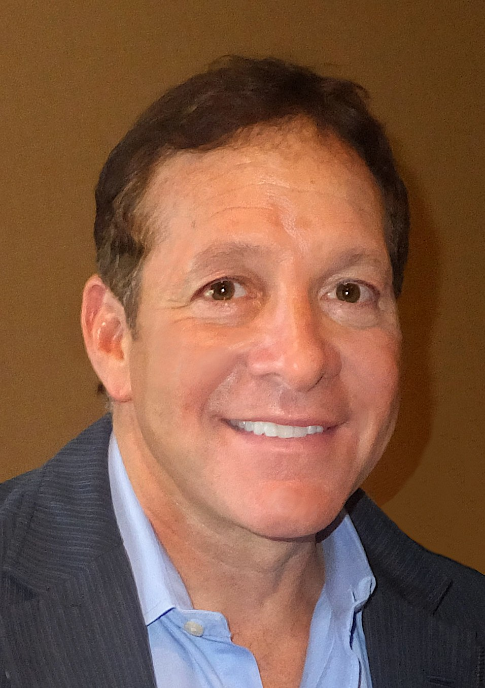 Steve Guttenberg 2013