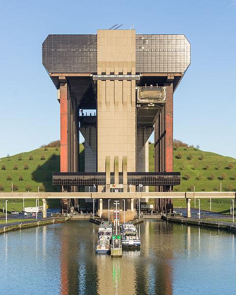File:Strépy-Thieu boat lift-3610.jpg