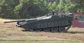 Stridsvagn 103 - Gun depressed using suspension