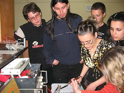 circuit idea group 68b wikibooks, open books for an open world