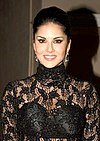 Sunny Leone snapped post shoot at Mehboob Studio 2.jpg