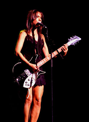 Susanna Hoffs - Hoffs performing live in Sydney on 22 October 2010.