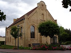 SynagogeKrakowAmSee.JPG
