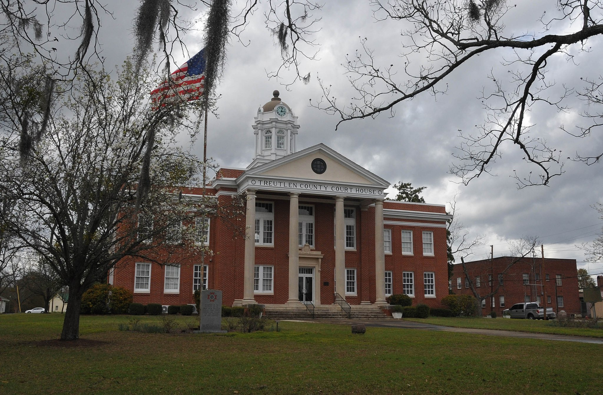 TREUTLEN COUNTY COURTHOUSE