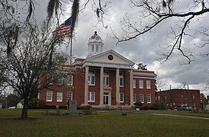 Treutlen County Courthouse in Soperton
