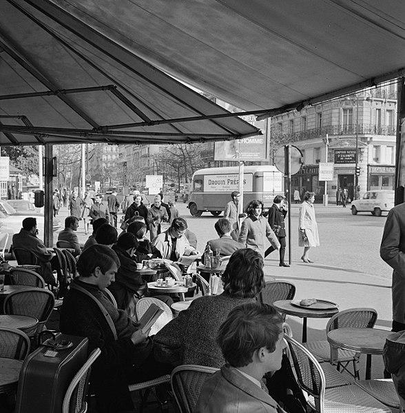 Caf Ef Bf Bd Restaurant Des Tonnelles Bar Sur Seine