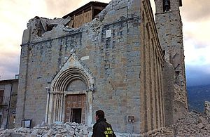 Church of Sant'Agostino, Amatrice - The damaged church in 2016, before more parts of it collapsed