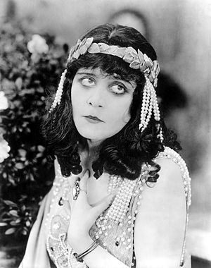 Salomé (1918 film) - Theda Bara in Salomé