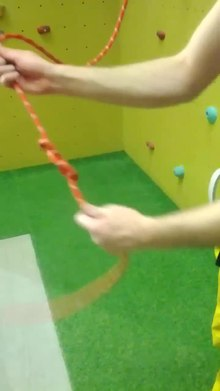 Datei:Top Rope Belaying.webm