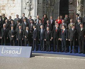 Tratado de Lisboa 2007 *{{eo|Ŝtatestroj de Eŭr...