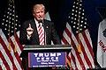 Trump Clive Iowa (9-13-16) (29394082490).jpg