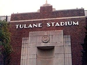 Tulane Stadium - Image: Tulane Stadium Front 1
