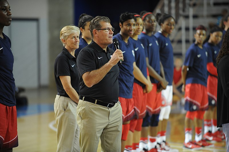 File:USA Women's Basketball Team receives dog tags from service members 091114-A-PM387-013.jpg