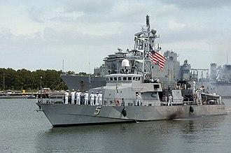 USS Typhoon - Image: USS Typhoon (PC 5)